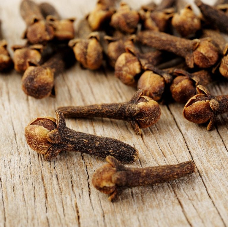 Fairtrade clove by Cha's Organics available on Rosette Fair Trade's online store
