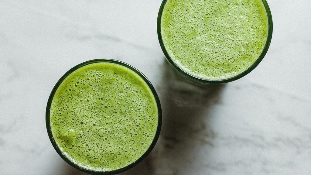 Green Sunshine smoothie recipe on the Rosette Fair Trade blog (overhead shot of glasses)