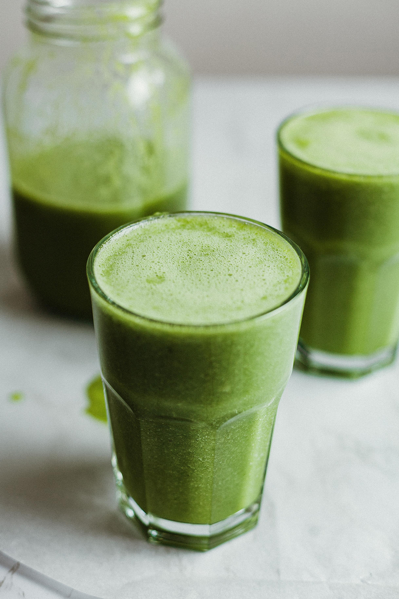 Green sunshine smoothie recipe on rosette Fair Trade (cups and jar)